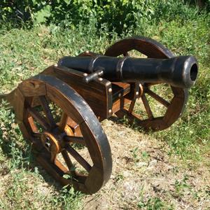 Пушка полевая декоративная