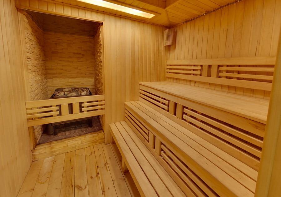 sauna-2-min.jpg