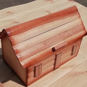 Хлебница домик